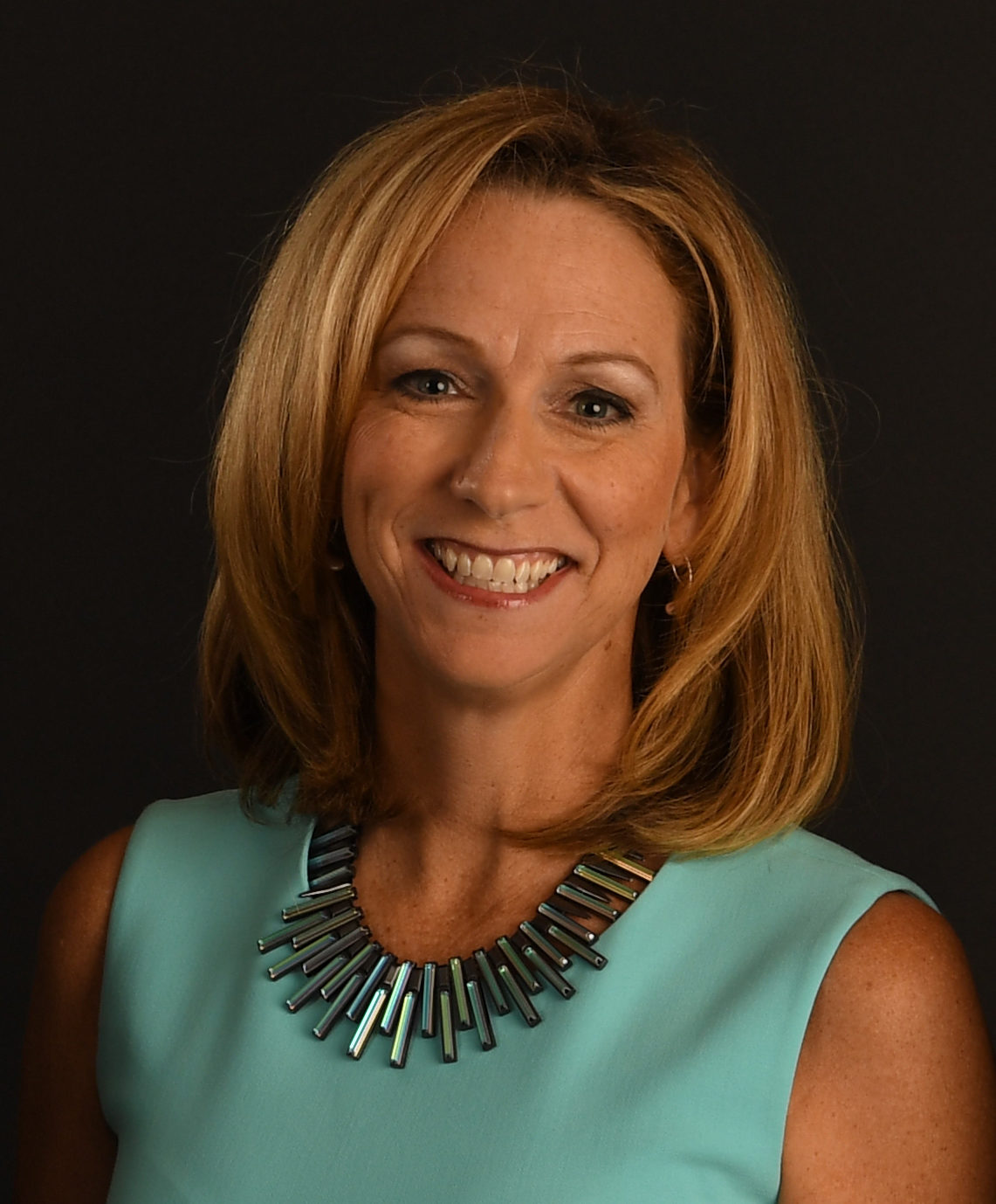 Beth Mowins Espn Press Room U S